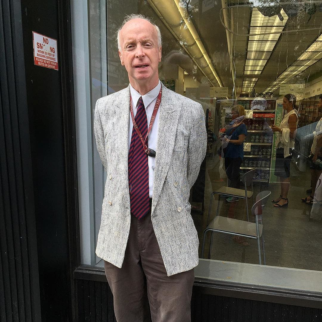 He was so proud when I told him I liked his jacket. He said three times that people have stopped him on the train before about it. Happiness, it's in a DB blazer from years ago.