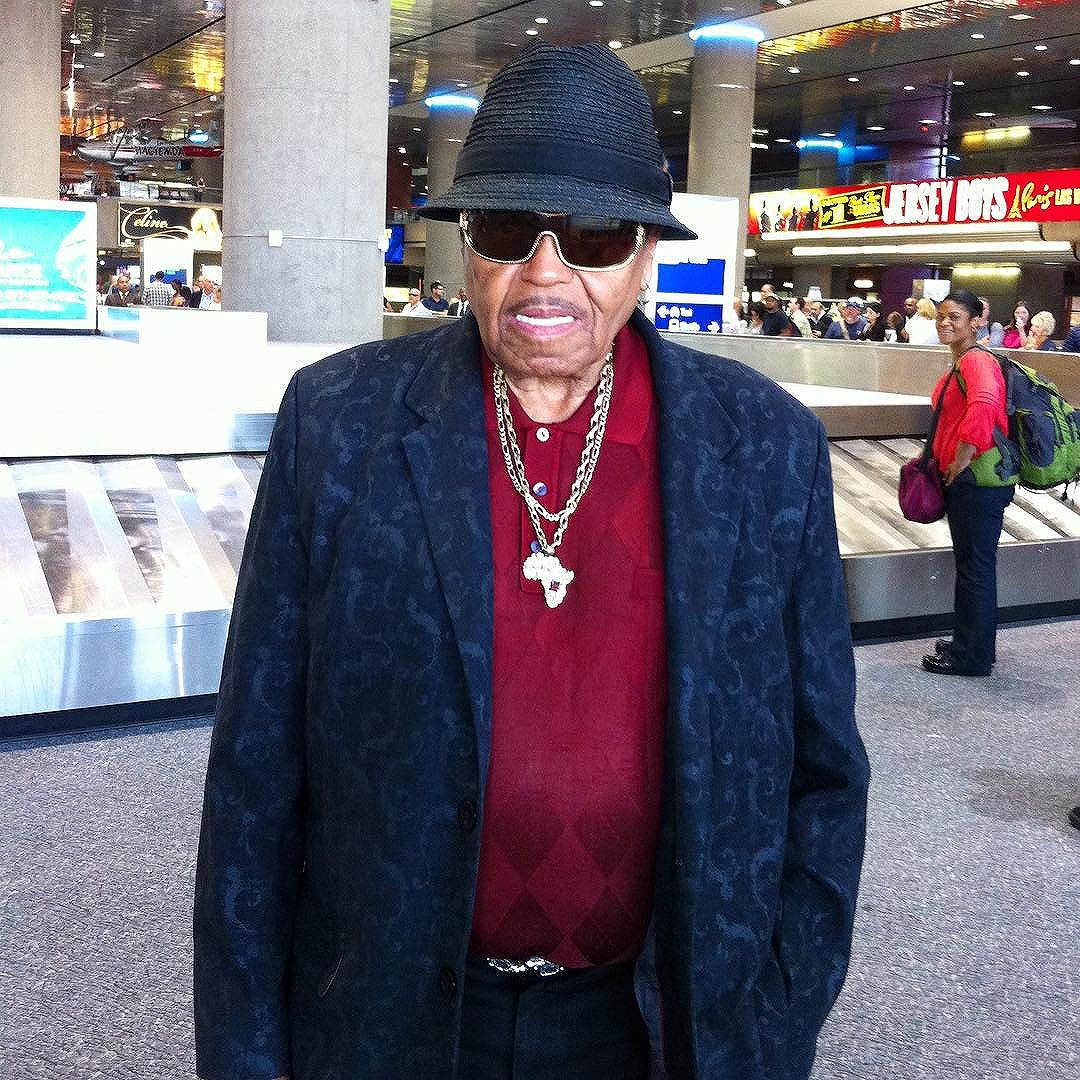 Aug '12 When I met Joe Jackson (Michael's dad) (and 10 others) in the LV airport