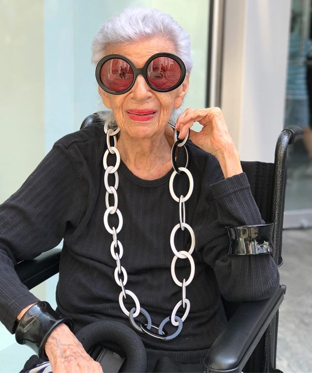 """Iris was waiting outside the apple store for her genius appointment. """"These things are too smart, I don't need it to do all these things"""" """"Young people just push buttons these days"""" She turns 94 in August. is that what she said @mosesar? did i miss anything?"""
